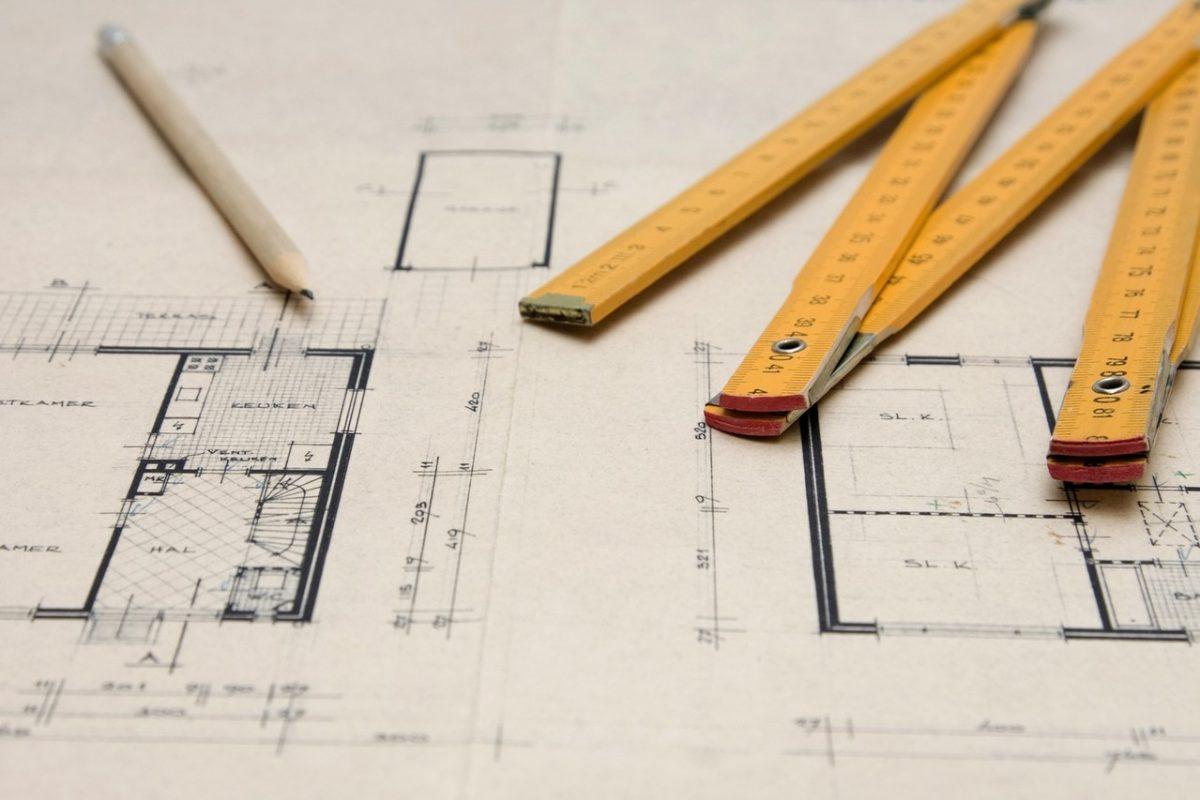 Architektura domu, czyli jak postawić na dobrego architekta?
