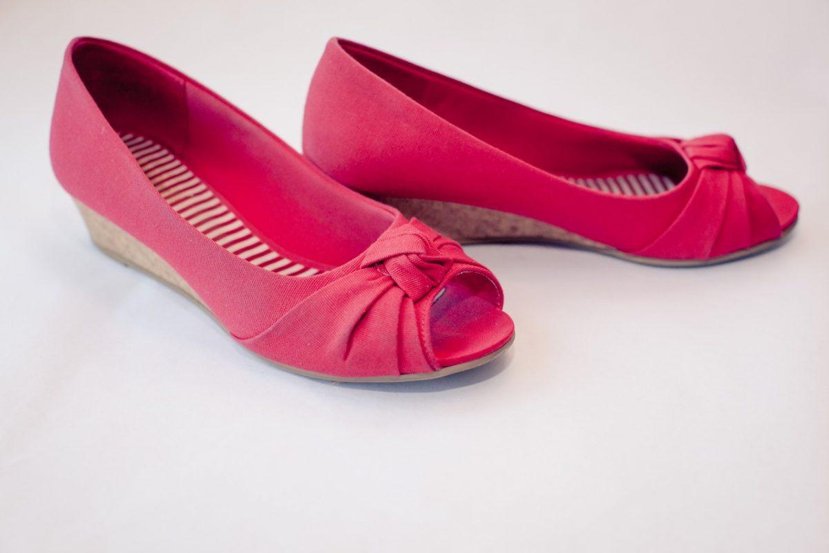 Odzież damska – obowiązkowa kolekcja butów.